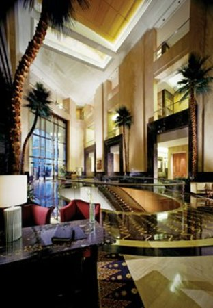 The Ritz-Carlton Jakarta, Mega Kuningan: Our luxury hotel in Jakarta offers elegance for business and leisure travelers.