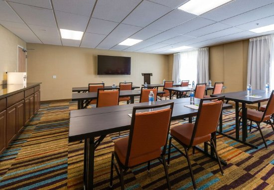 Fairfield Inn & Suites Fort Myers Cape Coral: Meeting Room