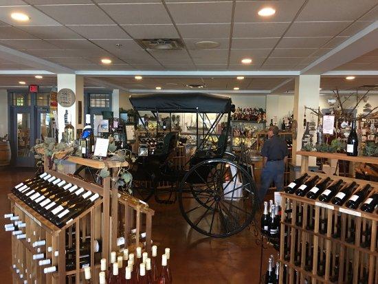 Belhurst Castle Winery: photo1.jpg