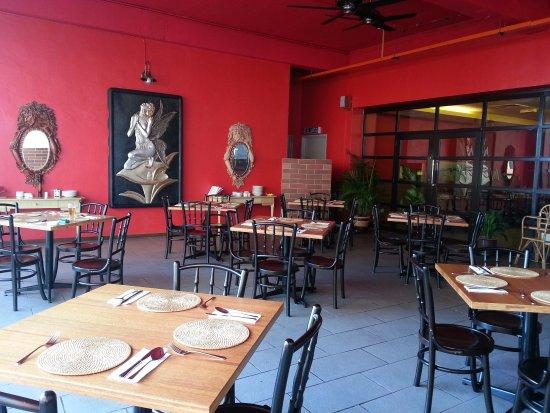 GRAZIE Italian Restaurant Kota Kinabalu: Grazie Restuarnt Al-fresco seating