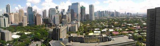 Makati Shangri-La Manila: Panoramic view of Makati CBD