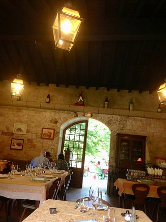 Alet les Bains, France: looking towards the front door of the dining room