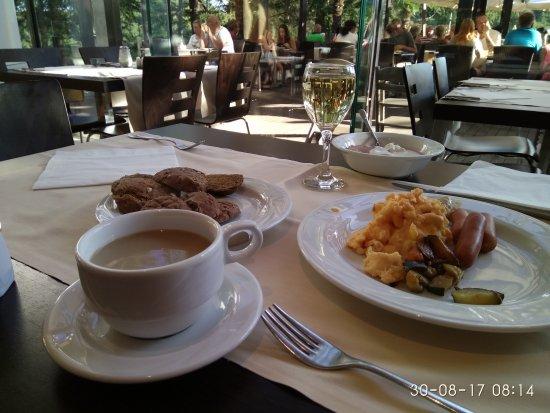 Hotel Laguna Mediteran: IMG_20170830_081401_large.jpg
