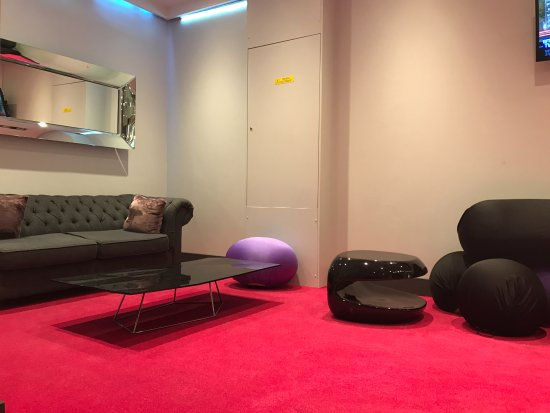 lobby waiting area - Picture of Ideal Hotel design, Paris - TripAdvisor