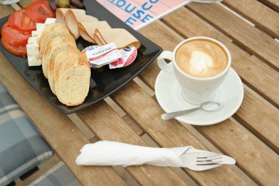 Vagia, Grekland: Morning coffee