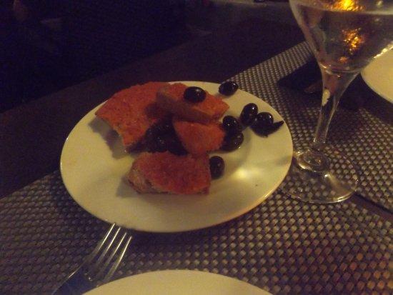 Can Costa Alcudia: pan con tomate y olivas