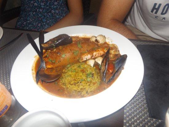 Can Costa Alcudia: calamar relleno