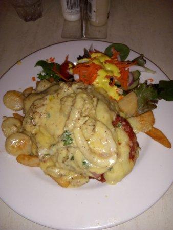 Dalby, Australia: Seafood parmi