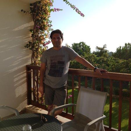 Barut Lara : My family room