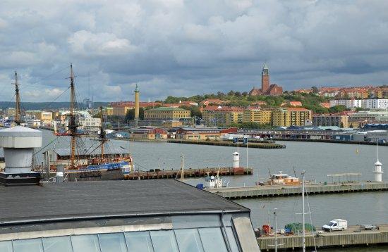 Quality Hotel 11 & Eriksbergshallen: Blick vom Zimmer auf Älv und Stadt