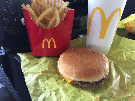 Upper Marlboro, MD: Cheeseburger, fries, & a Coke