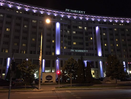 JW Marriott Bucharest Grand Hotel: View of the hotel at night