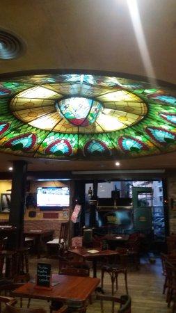 Hotel Guadalquivir: Cafetería que recrea un vagón de tren