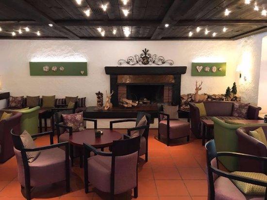Parkhotel Flora : Hotellobby