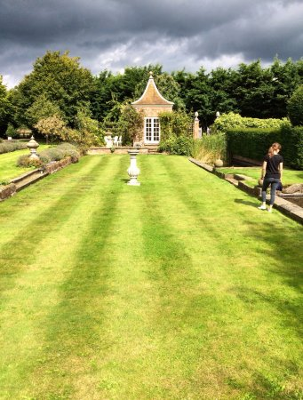 Manor Farm B&B and Holiday Cottages: the grounds