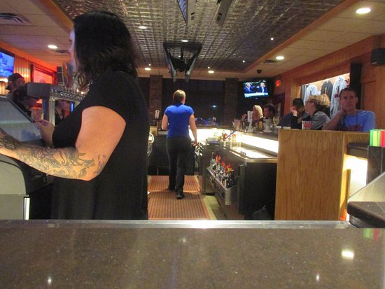 The Red Rooster: Busy bar
