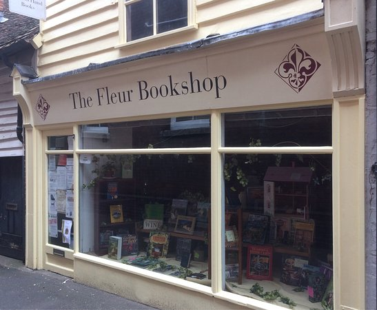 Faversham, UK: The Fleur Bookshop, Gatefield Lane