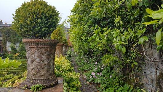 Uberblick Auf Den Garten Picture Of Bantry House Garden