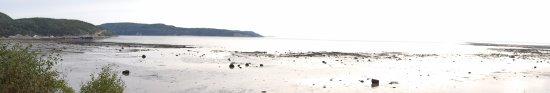 Baie Sainte-Catherine, Kanada: Vue de la porte de la chambre