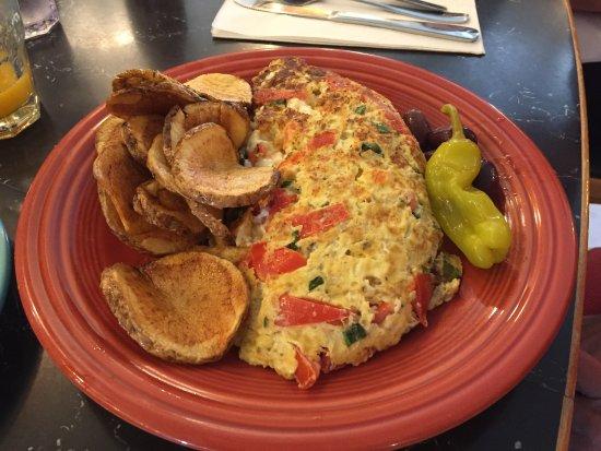Saugatuck, MI: Huge omelettes!