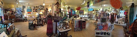 Bemus Point, Нью-Йорк: Custom Signs & Decals, Refinished Furniture, Gifts, Souvenirs, Jewelry and Much More