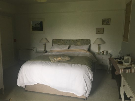 Murcott Mill Farmhouse: Family room
