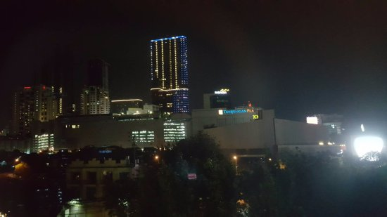 favehotel MEX Surabaya: Night view