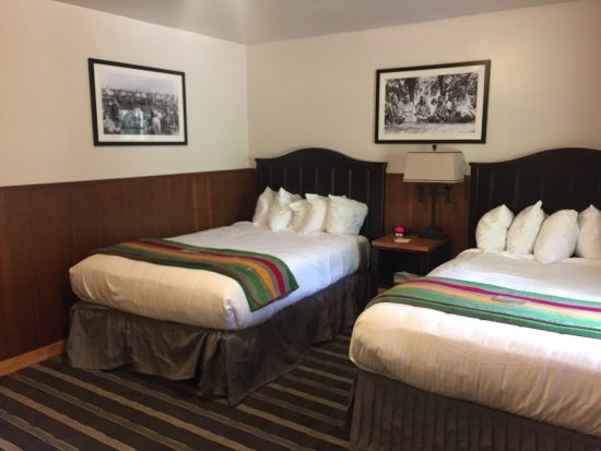Swiftcurrent Motor Inn And Cabins Updated 2017 Lodge