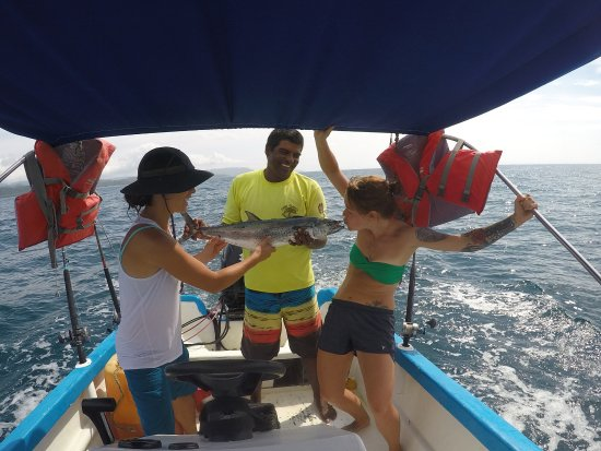 Montezuma, Costa Rica: Our catch of the day! Mackerel! Thanks to Carlos and Junior for taking us out! Greats guys and a