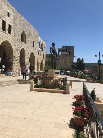 دير القمر, لبنان: центральная площадь