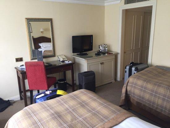 Macdonald Alveston Manor Hotel: photo1.jpg