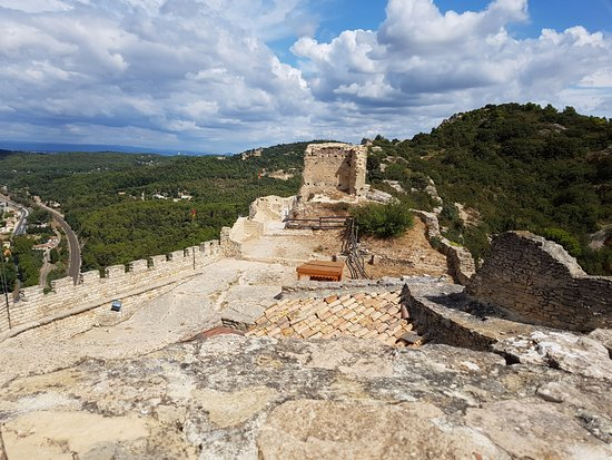 Mornas, France : Ruines