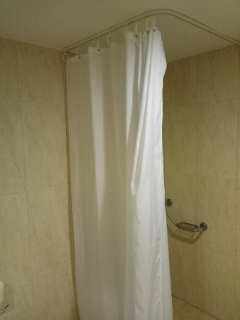 Apollonia Beach Resort & Spa: 5-star bathroom! Only shower. Stay away.