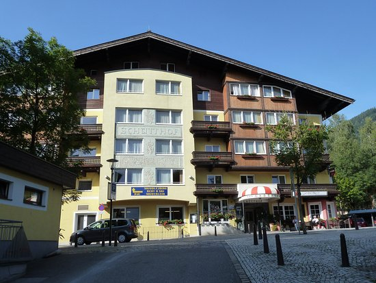Hotel Der Schutthof: Blick aus der Richtung des Parkhauses kommend