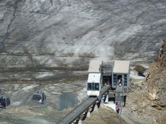 Hotel Der Schutthof: Bild aus der Umgebung: Das Kitzsteinhorn 2 - Shuttle zum Gletscherrestaurant