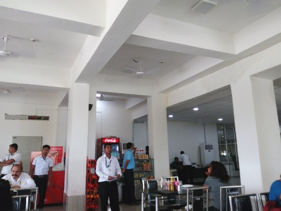 Airport Restaurant: The overall ambience