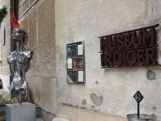 HR Giger Museum: Targa del Museo