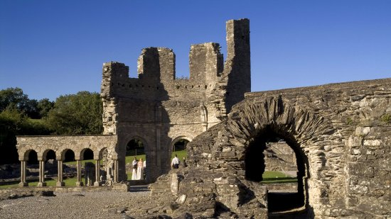 Kilmessan, Irland: Mellifont Abbey was the first Cistercian Abbey to be built in Ireland.