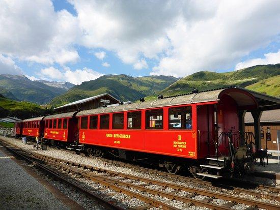 Dampfbahn Furka Bergstrecke: Zugzusammenstellung