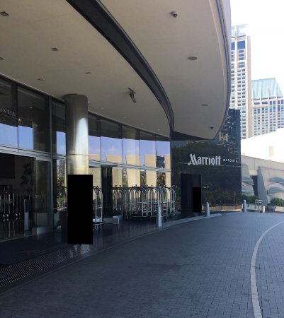Marriott Marquis San Diego Marina: Entrance to Hotel