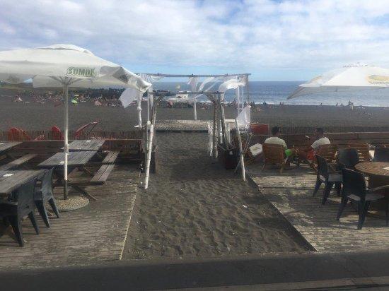 Pe na Areia: a esplana...e o mar