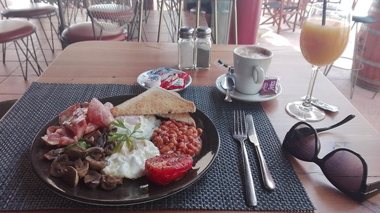 El Indiano: Best English breakfast in Sitges!