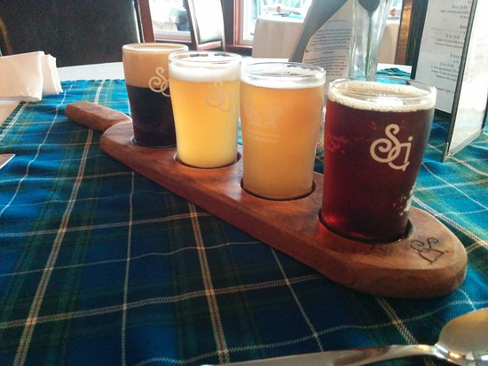 Sheet Harbour, แคนาดา: Flight of beer