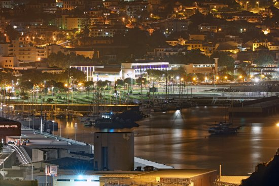 Hotel The Cliff Bay: Funchal by Night taken from Cliff Bay