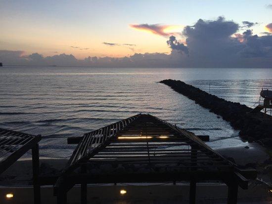 Fiesta Inn Veracruz Boca del Rio: Vista desde el 1er piso, 6:30 hrs.