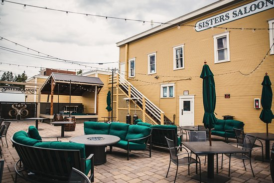 Sisters, Oregón: Enjoy a gorgeous afternoon on our patio