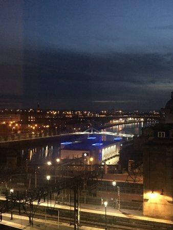 Jurys Inn Glasgow: photo1.jpg