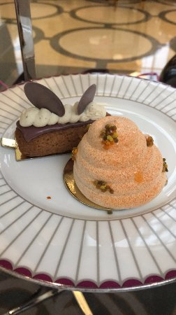The Crystal Moon Lounge: Desserts!