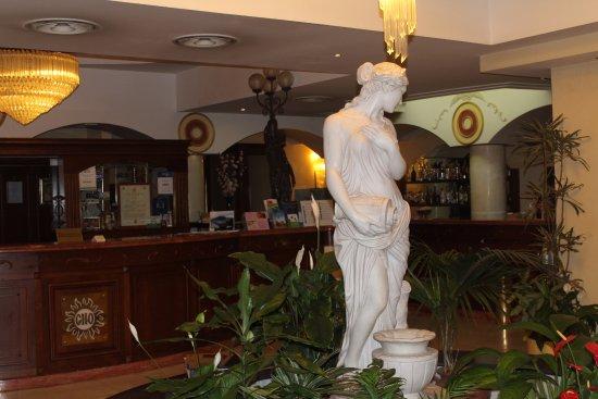 Grand Hotel Osman: Reception