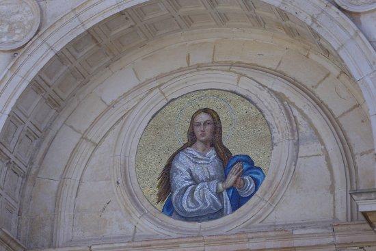 Favara, Italy: Uno dei mosaici sulla facciata della Chiesa